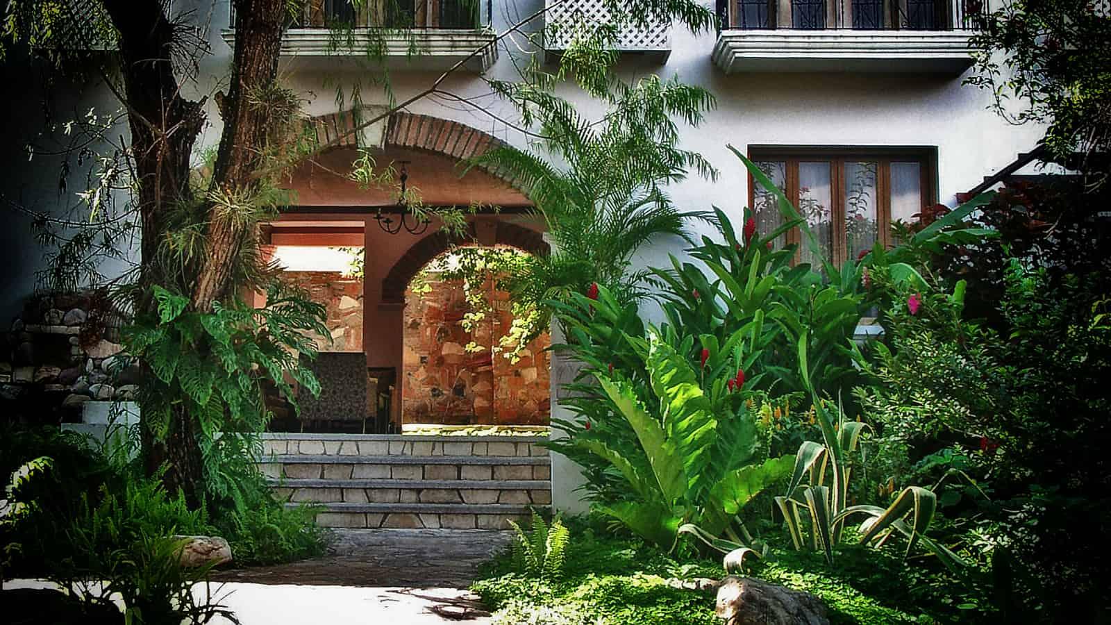 Green-area-Hotel-Marina-Copan2